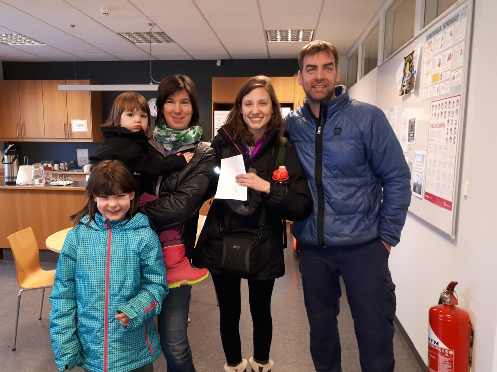 Homestay: Family and student meet at the University Centre. Carolin Kraus, Árni Þór Helgason and their daughters (winter 2017).