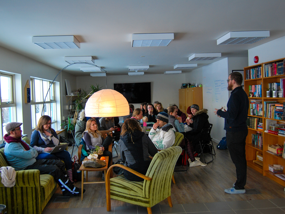 Arnar Sigurðsson, director of the Blue Bank gave students a short introduction to the various projects the bank takes part in.
