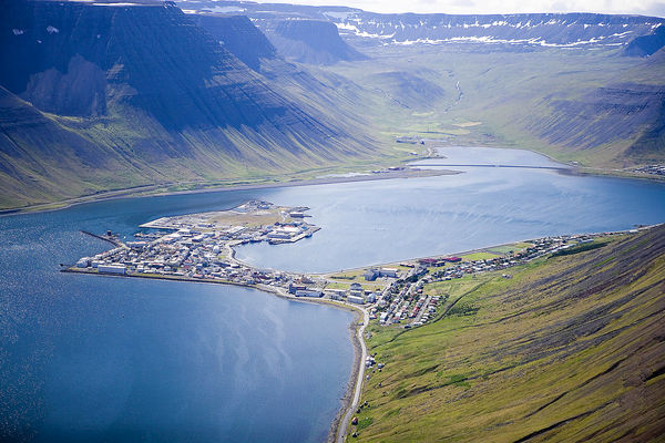 Ægir student association is planning a cleanup of the coastline around Ísafjörður on this occation from 10am to 2pm tomorrow.